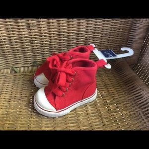 Infant Baby Gap red canvas high top sneakers Sz 4